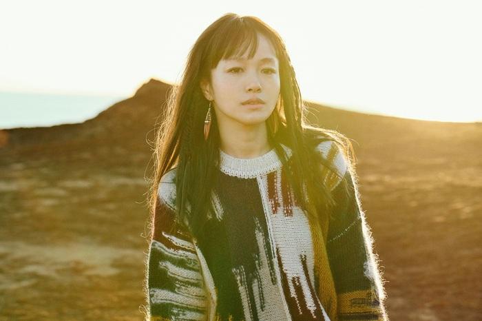 NakamuraEmi、新曲「一服」ライヴMV&セルフ・ライナーノーツ公開