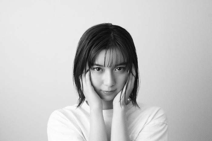 adieu(上白石萌歌)、本日2/10配信リリース「やさしい気持ち」カバーのMV公開