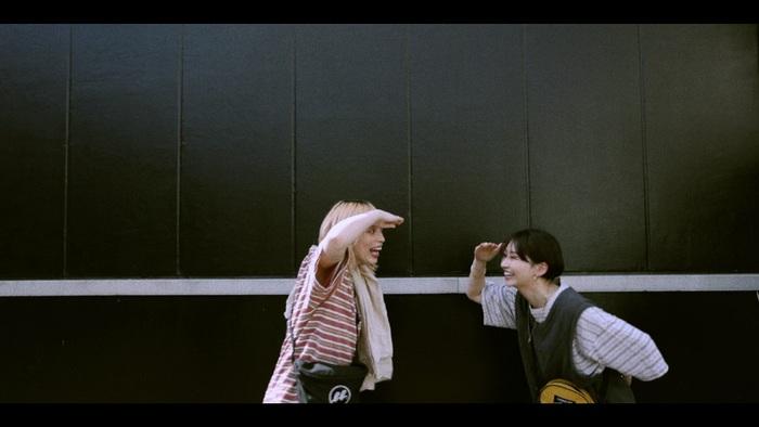 chelmico、新曲「COZY」MV公開。ミニ・アルバム・リリース記念し4/16にトーク&ライヴ生配信も決定