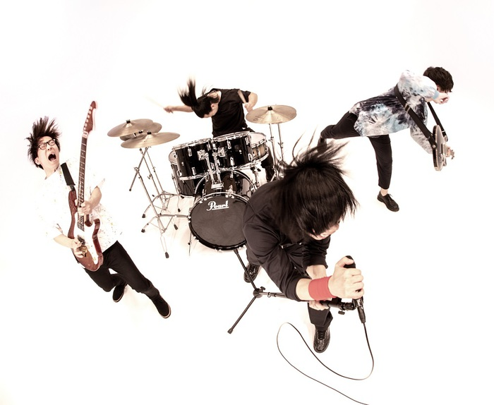 Mr.FanTastiC、配信限定シングル「ケイドイド」&「伝わんない」5/26同時リリース