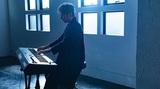 """ADAM at、最新アルバム『Daylight』より「Spring Field」先行配信。盟友 伊地知 潔(ASIAN KUNG-FU GENERATION/PHONO TONES)との""""お料理セッション?""""MVも"""