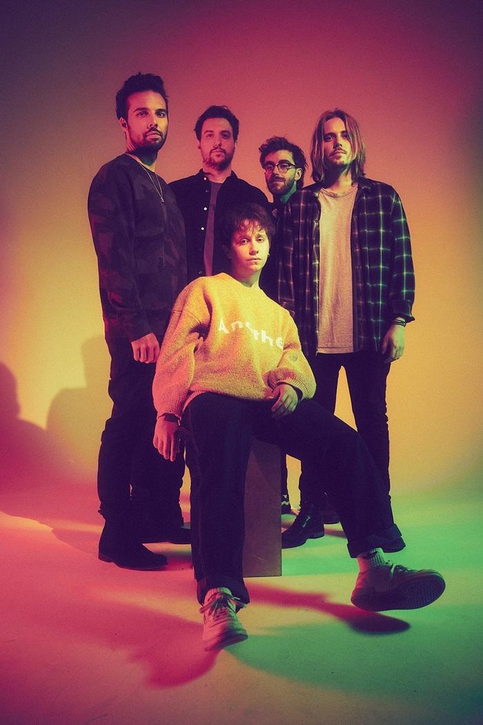新世代UKロックの雄 NOTHING BUT THIEVES、ギター・ロックとヒップホップの融合を試みた半年ぶりの新曲「Futureproof」リリース&MV公開