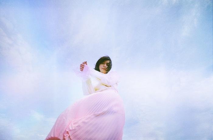 adieu(上白石萌歌)、2ndミニ・アルバム『adieu 2』よりカネコアヤノ作詞作曲&Yaffleアレンジによる新曲「天使」MVを本日6/12 20時よりプレミア公開