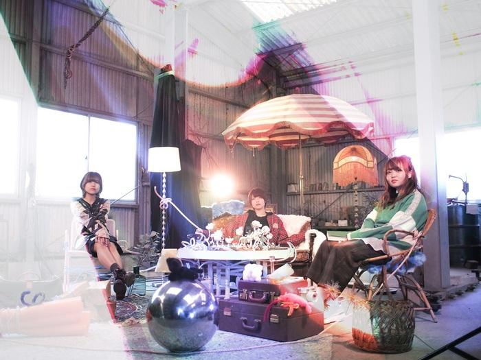 福岡ガールズ・バンドの新鋭 snooty、本日6/30リリースの3ヶ月連続配信第3弾「線香花火」リリック・ビデオ公開
