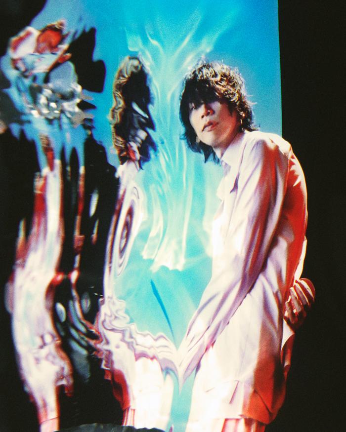 米津玄師、咲と紘一を祝福する「Pale Blue」東京スカイツリーの特別ライティング&展望台でのMV上映が決定
