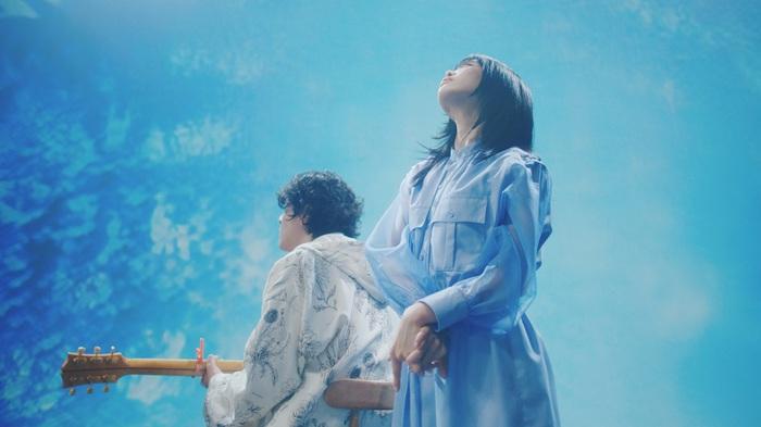 """アイナ・ジ・エンド(BiSH)とROTH BART BARONによる2人組""""A_o""""、ポカリスエット新CMソング「BLUE SOULS」進化したMV公開"""