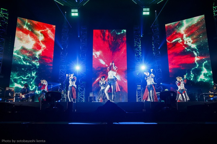 BiSH、大阪城ホール・ワンマンから新曲「STACKiNG」ライヴ映像公開