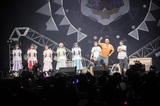 豆柴の大群、全国ライヴハウス・ツアーのファイナル公演にさらば青春の光、クロちゃんがサプライズ出演。アフター・ムービーも公開