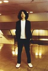 坂本慎太郎、2曲連続MV発表の第2弾「ツバメの季節に」公開