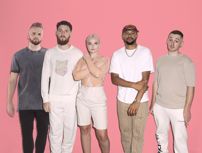 CLEAN BANDIT、DJのTOPICとコラボ。R&Bアーティスト Wes Nelsonをフィーチャーした新曲「Drive」リリース
