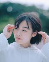 森七菜、YOASOBIのコンポーザーとしても活動するAyaseプロデュースの新曲「深海」MVを本日8/20 23時よりYouTubeにてプレミア公開