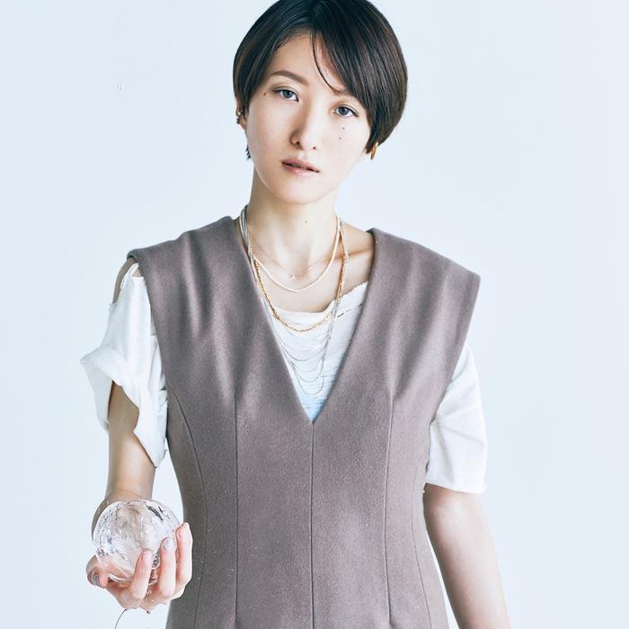 日食なつこ、ニュー・アルバム『アンチ・フリーズ』から台湾アーティスト Ruby Fataleとのコラボ曲「泡沫の箱庭」リリック・ビデオ公開
