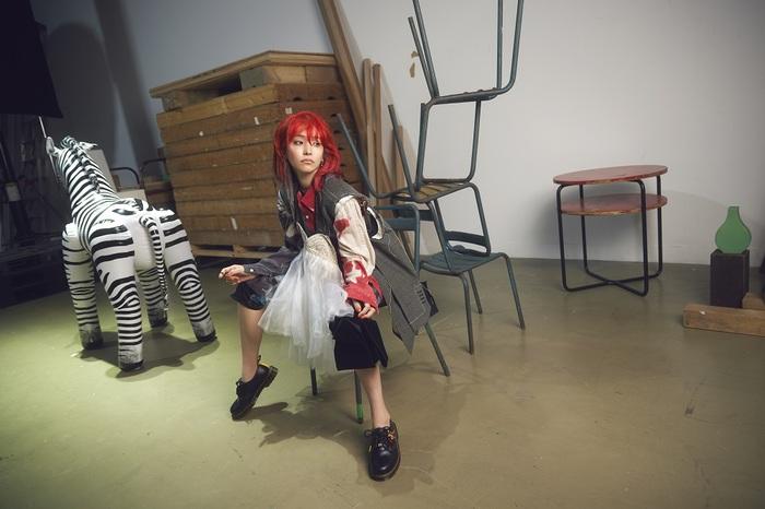 LiSA、9/8リリースのニュー・シングル『HADASHi NO STEP』収録曲&クリエイター情報公開。ユニゾン田淵智也が全曲作曲担当、本日9/1にカップリング曲ラジオOA解禁