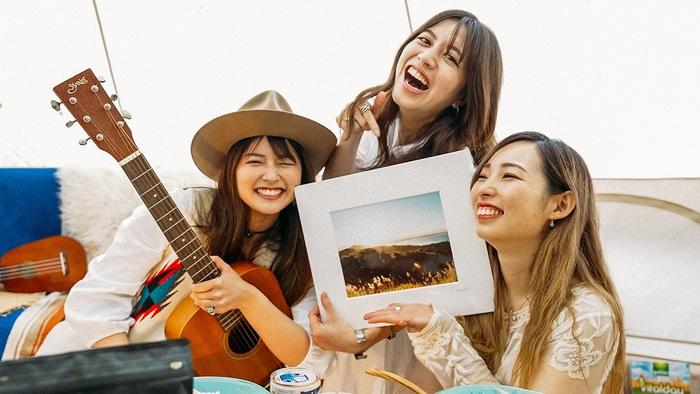 "Miyuu、自身初となる""音楽×旅エッセイ""の音源書籍出版を目指すクラウドファンディング開始。日本各地をバンライフ(車中泊旅)で巡り撮影/レコーディング実施"