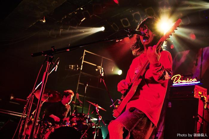 ドミコ、本日10/13リリースのニュー・フル・アルバム表題曲「血を嫌い肉を好む」MV公開